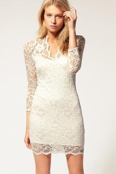 Гипюровое платье с V-образным вырезом ASOS